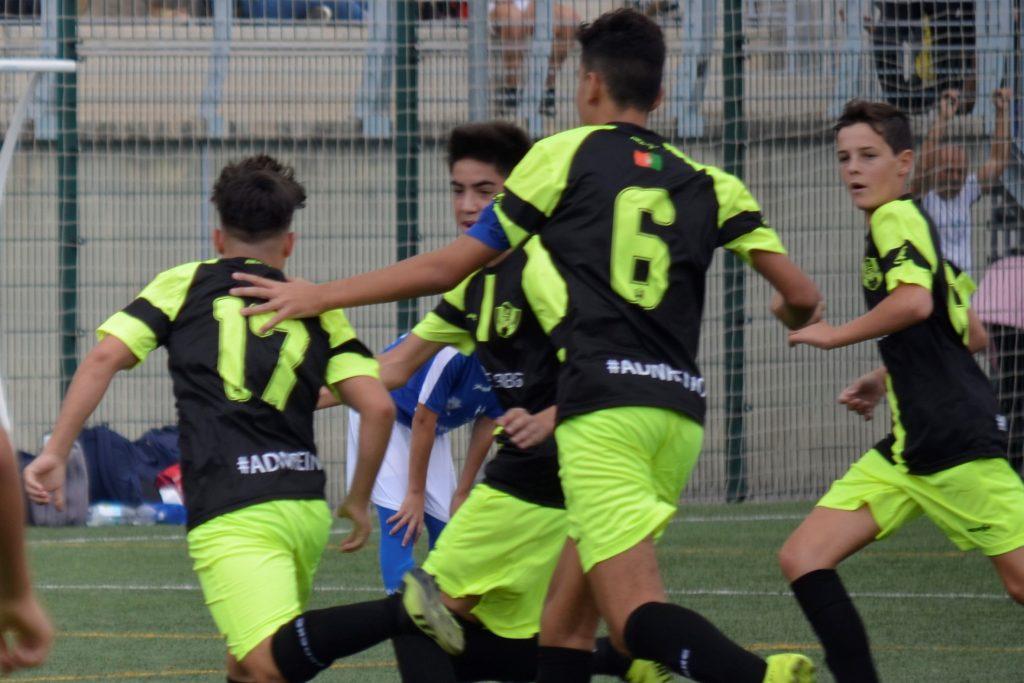 Celebración de un gol del Cadete A 2019-2020 del CF Reino de Granada
