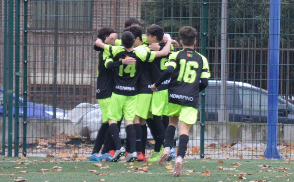 Celebración de un gol del Cadete B 2019-2020 del CF Reino de Granada